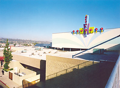 Centre Bulider's Parkway Plaza Regal Cinemas